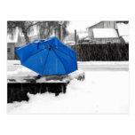 Paraguas azul tarjetas postales