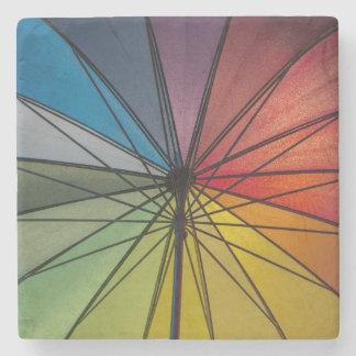 Paraguas colorido posavasos de piedra