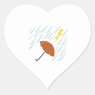 Paraguas del relámpago pegatina corazón