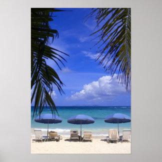 paraguas en la playa, St. Maarten, del Caribe Impresiones