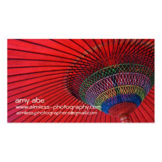 Paraguas rojo tarjetas de visita