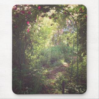 Paraíso del jardín mousepads
