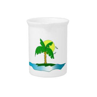 Paraíso tropical del palmtree de la isla jarra de beber