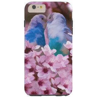 Parakeets cariñosos y flores rosadas funda resistente iPhone 6 plus