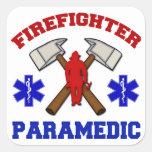 Paramédico del bombero calcomanías cuadradass personalizadas
