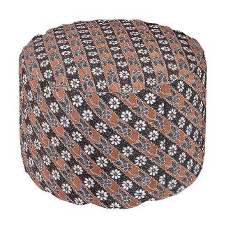 Parang Seling Kembang Batik Round Pouf