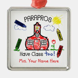 Parapros tiene dibujo de creyón de la escuela de adorno navideño cuadrado de metal
