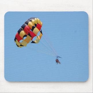 parasailing mouse pad