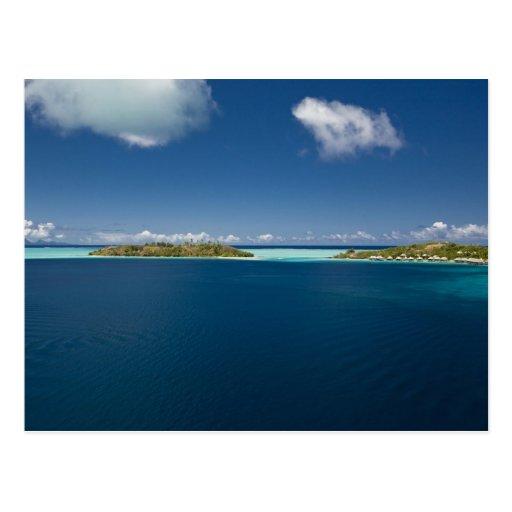 Parasailing over the beautiful lagoon of Bora 2 Postcards