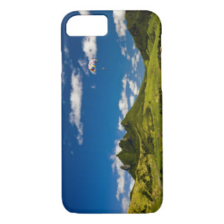 Parasailing within View of impressive Lion iPhone 8/7 Case