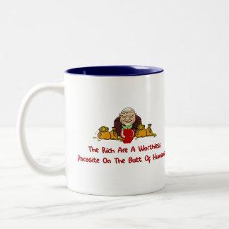 Parásitos ricos taza de café