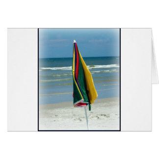 Parasol de playa tarjeta de felicitación