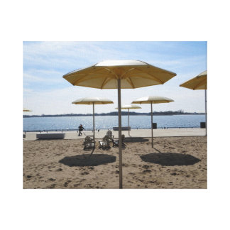 Parasoles de playa de oro impresión de lienzo