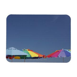 Parasoles en la playa. Sombrillas Iman