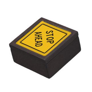 Pare a continuación, la señal de peligro del cajas de joyas de calidad