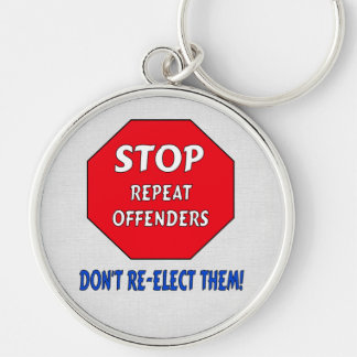 Pare a los delincuentes de la repetición llavero redondo plateado