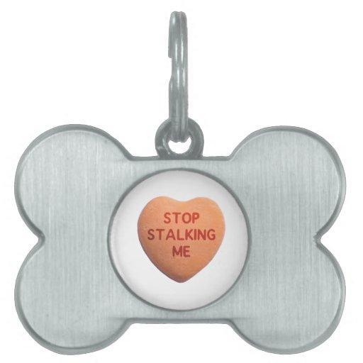Pare el acechar de mí corazón anaranjado del caram placas de nombre de mascota