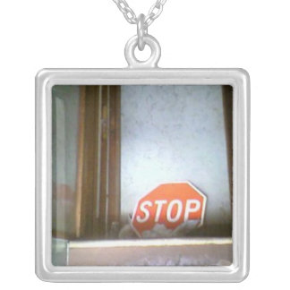 Pare el collar original del arte de la plata