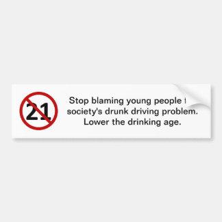 Pare el culpar de gente joven etiqueta de parachoque