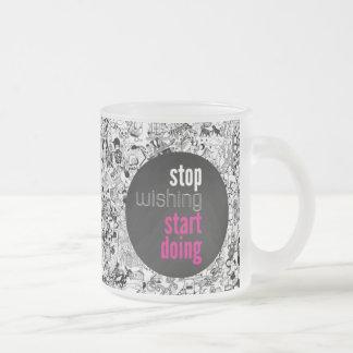 Pare el desear de hacer del comienzo taza de cristal