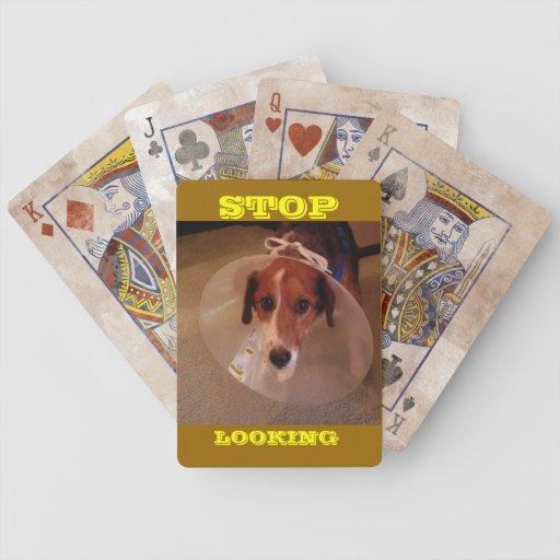 Pare el mirar cartas de juego