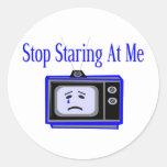 Pare el mirar fijamente etiqueta redonda