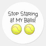 Pare el mirar fijamente mis bolas (las pelotas de pegatina redonda