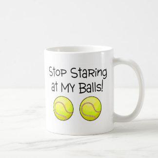 Pare el mirar fijamente mis bolas (las pelotas de taza
