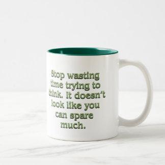 Pare el perder de tiempo taza de café de dos colores
