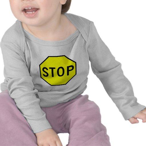 Pare el tráfico de la precaución del símbolo de la camisetas