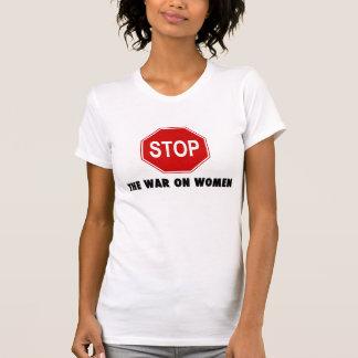 Pare la guerra en la camisa de las mujeres