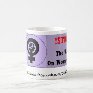 Pare la guerra en mujeres tazas de café