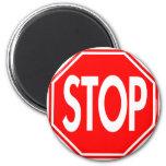 Pare la muestra imanes
