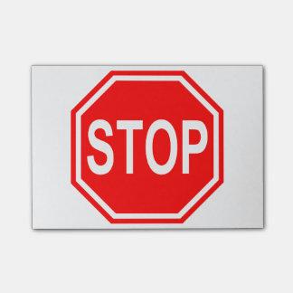 PARE la muestra roja de la parada del icono de la Nota Post-it