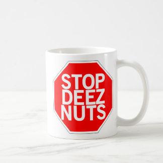 Pare las nueces de Deez Taza De Café