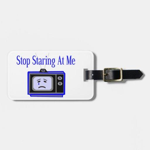 Pare mirando fijamente mí la televisión etiquetas para maletas