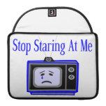 Pare mirando fijamente mí la televisión fundas para macbook pro