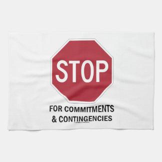 Pare para los compromisos y las contingencias la toalla de mano