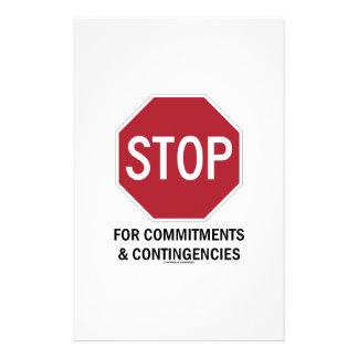 Pare para los compromisos y las contingencias la papelería personalizada