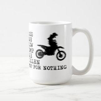 Pare para nada la taza del motocrós de la bici de