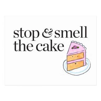 Pare y huela la torta postales