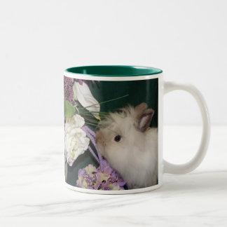 Pare y huela las flores tazas de café