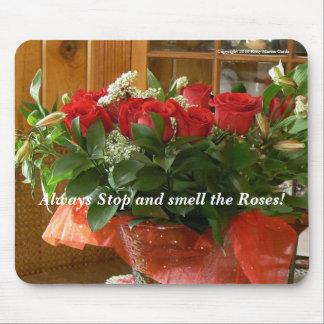¡Pare y huela siempre los rosas! Alfombrilla De Ratón