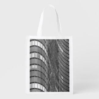Pared de cortina de acero y de cristal de moderno bolsas para la compra