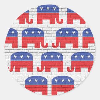 Pared de elefantes republicanos pegatina redonda