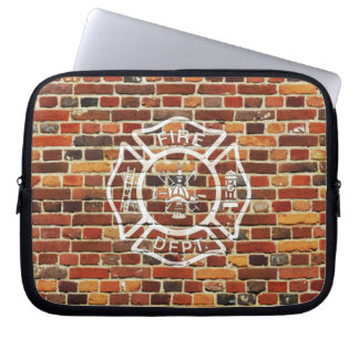 Pared de ladrillo del logotipo del bombero funda computadora