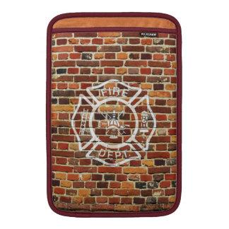 Pared de ladrillo del logotipo del bombero funda para macbook air