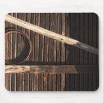 Pared de madera del granero de los tablones de Bro Alfombrilla De Raton