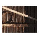 Pared de madera del granero de los tablones de postal