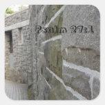 Pared del castillo del 27:1 del salmo pegatina cuadrada